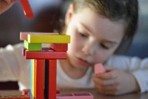Giochi-da-fare-in-casa-per-bambini